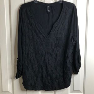 3/$15 Gru size 1X black lace tunic